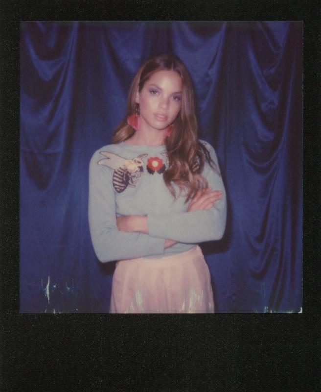 Yoli-Blue-Curtain-Black-Frame-Polaroid-casenruiz.jpg