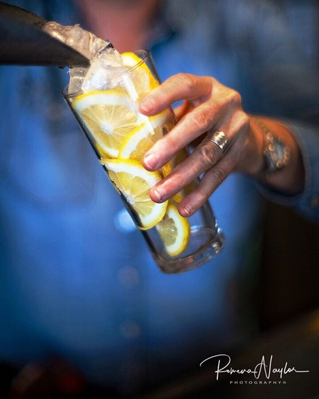 When life gives you lemons.... make them into a cocktail! Come and try our new cocktails on the Balcony Bar!  #dhbalconybar #daylesfordhotel #balconybar #daylesfordmacedonranges #dmrtourism #visitdaylesford #cocktails #lifegivesyoulemons #summerindaylesford