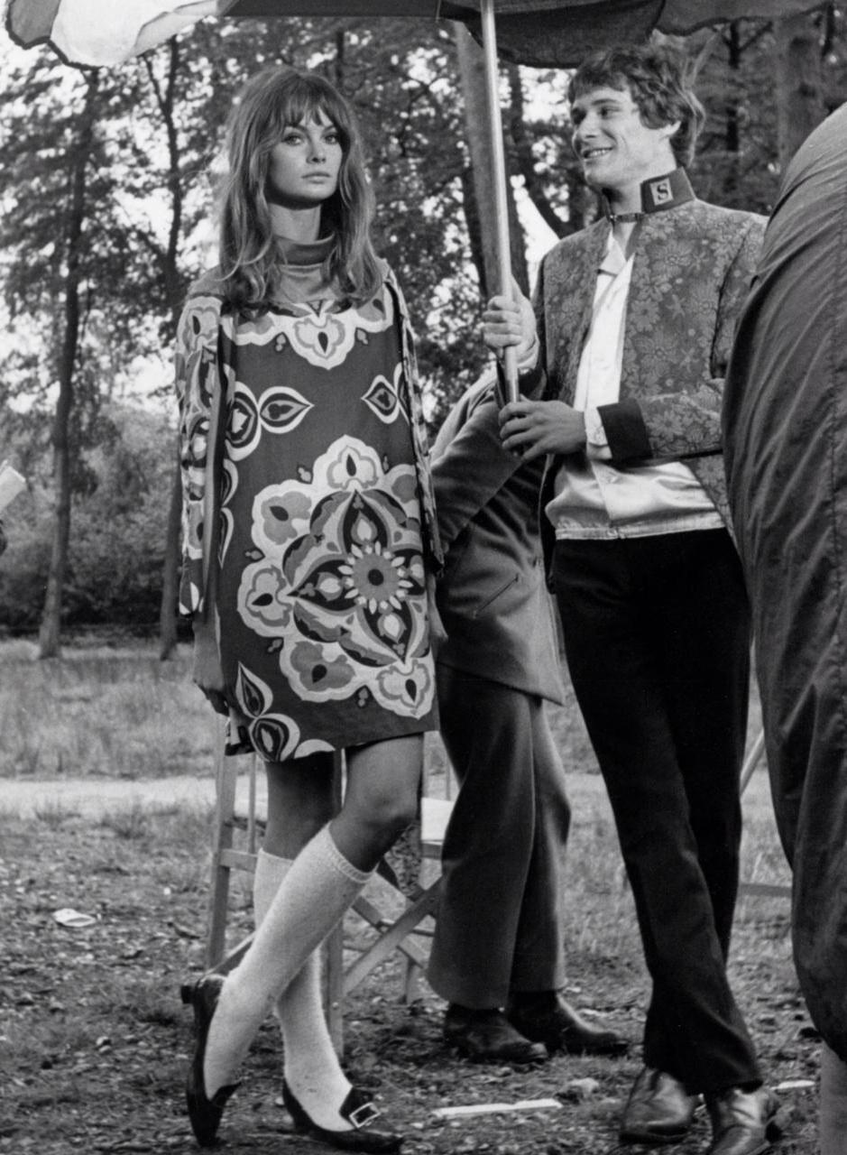 Jean Shrimpton wearing a print dress
