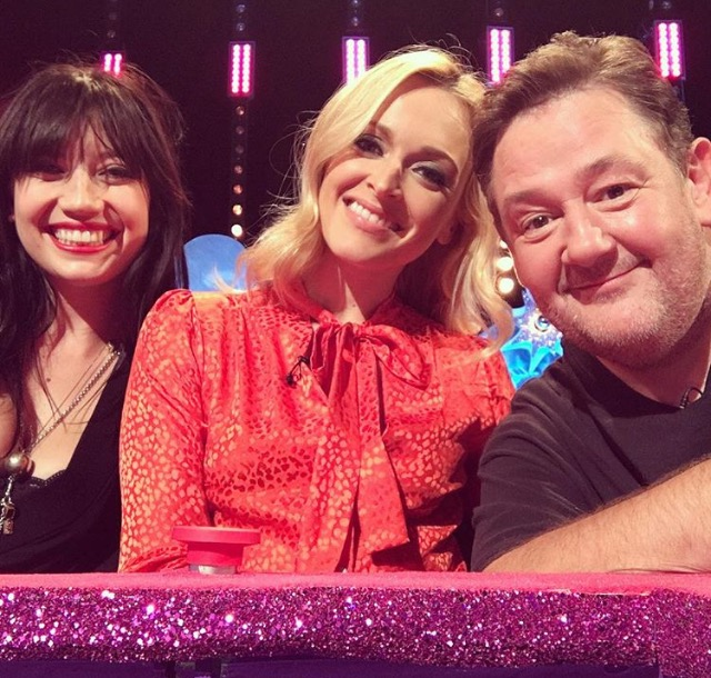 Fearne Cotton wearing Ellie Lines with Daisy Lowe and Johnny Vegas