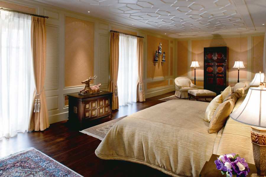 11_Grand_Deluxe_2-Bedroom_Colonial_Suite.jpg