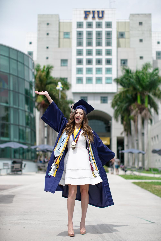 Jenny Marmol FIU Graduation SQ-46.jpg