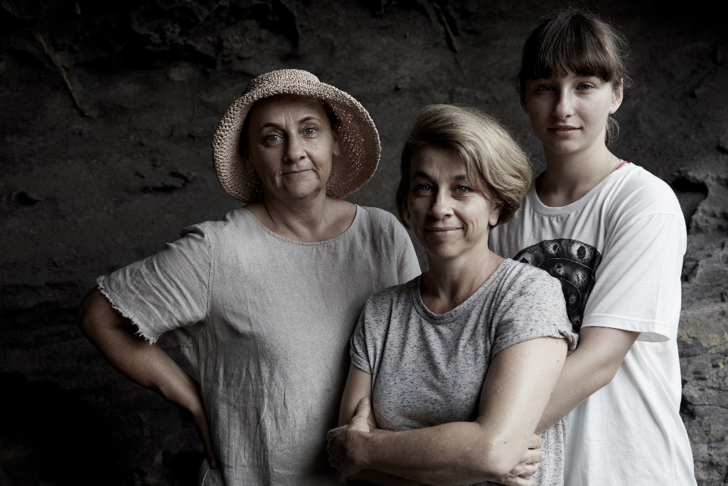 My sisters Philippa and Rachel, with my niece Eliza: Currarong NSW - Martyn Thompson