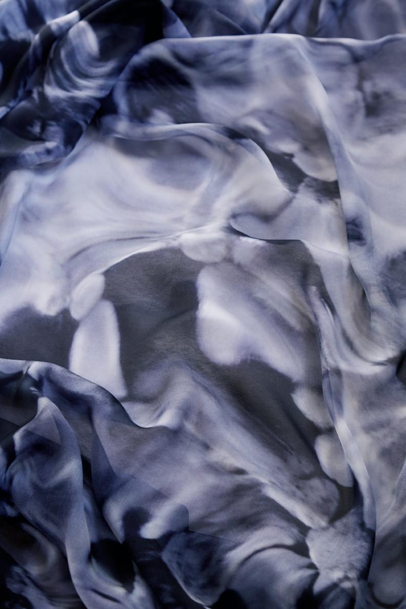 blue swirl scarf_0051 1.jpg