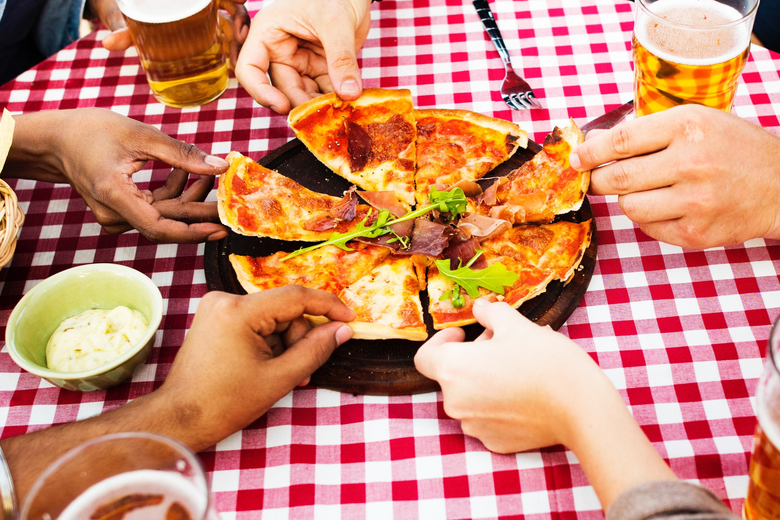FRIDAY EVENING SOCIALS   Come and have some fun, join us for a meal, meet new people, make friends and share the love that resonates in our Church.