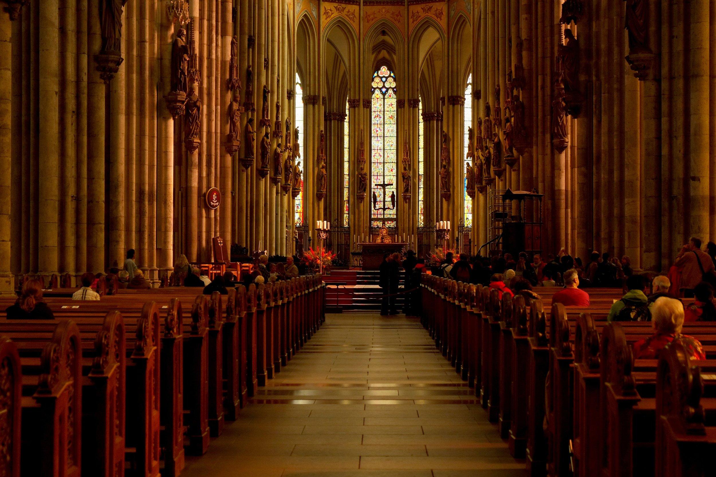 abbey-aisle-altar-236321.jpg