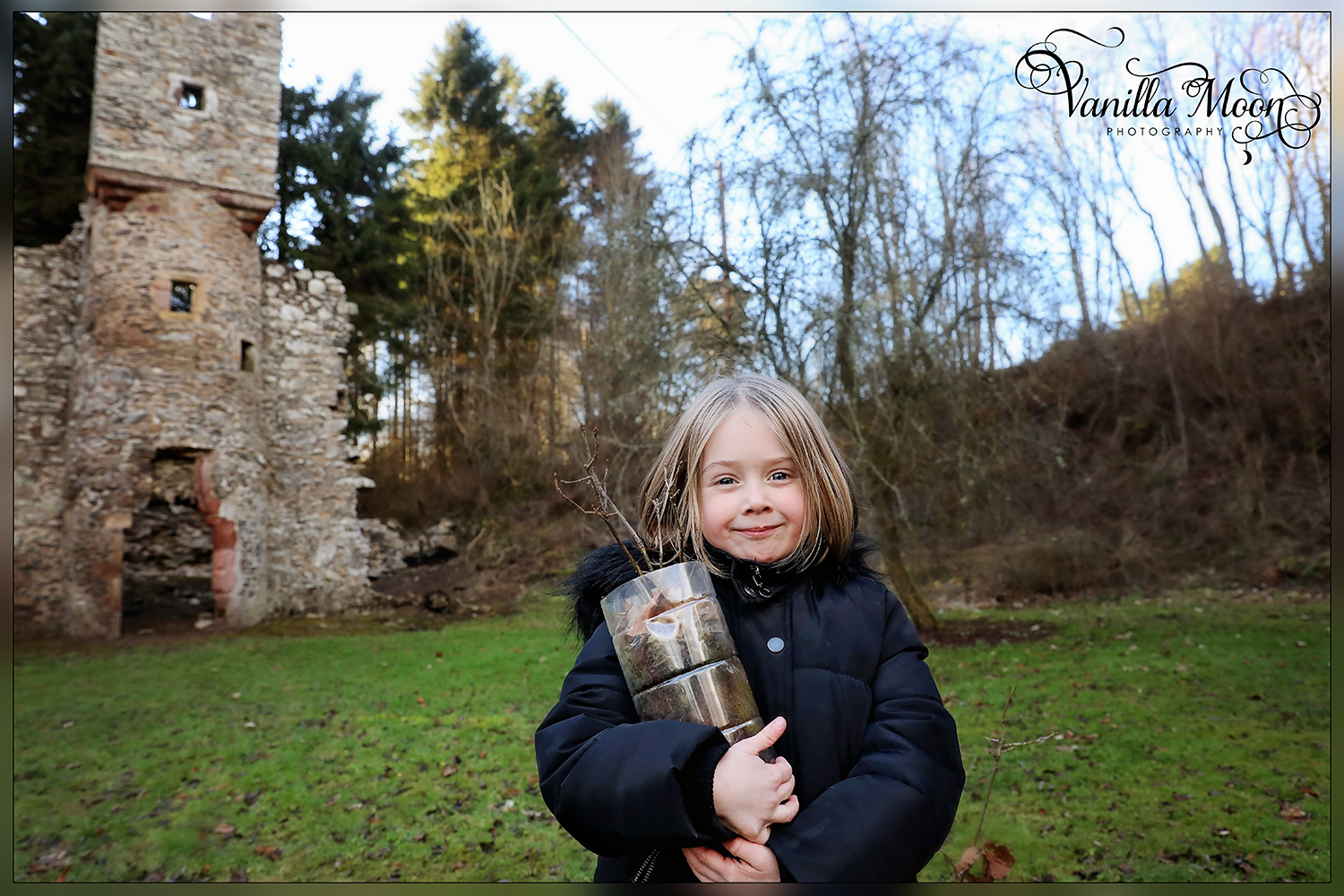Emilia proudly delivers her Oaks to Torwoodlee Tower