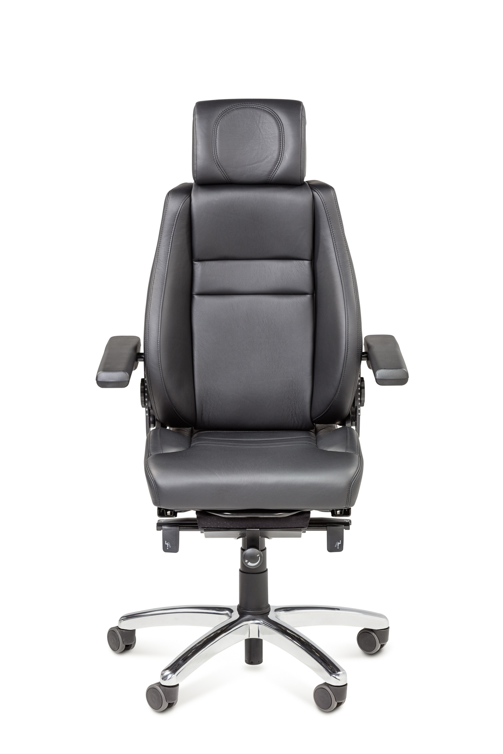 Product photography of a series of 24/7 controlroom chairs for BMA Ergonomics (SBS).
