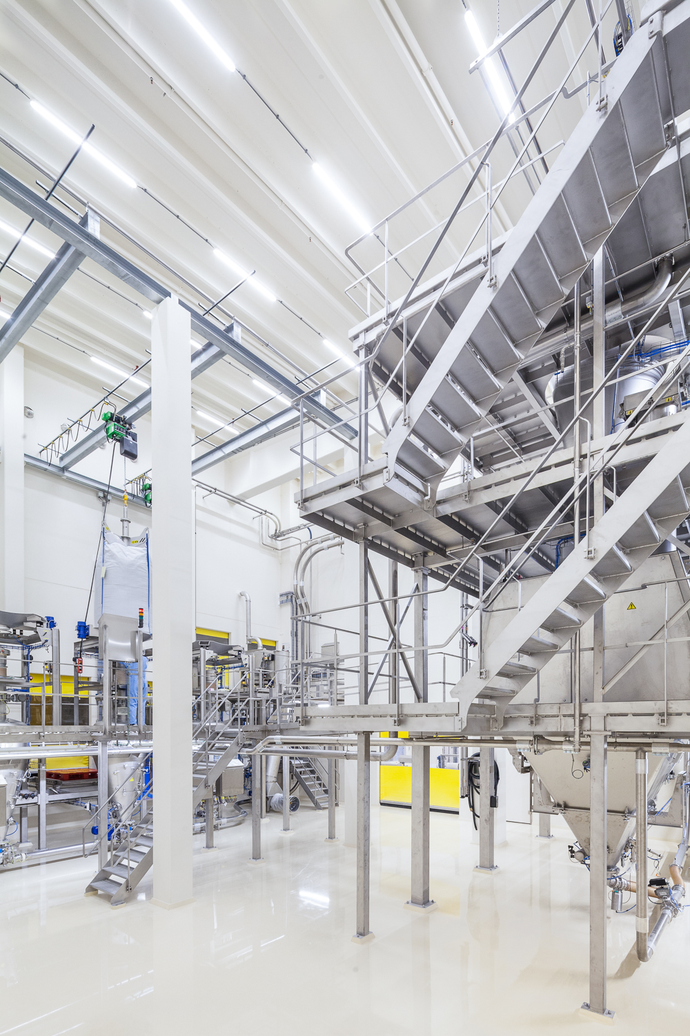 Industrial interior photography in a cleanroom environment a foodprocessing plant in Zwolle.