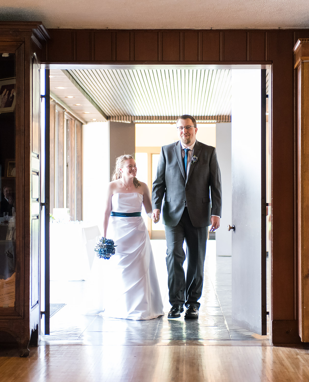 Darby House Ohio Wedding Reception Entrance