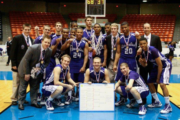 2010 Boys Basketball  (photo credit - Barb Dougherty)