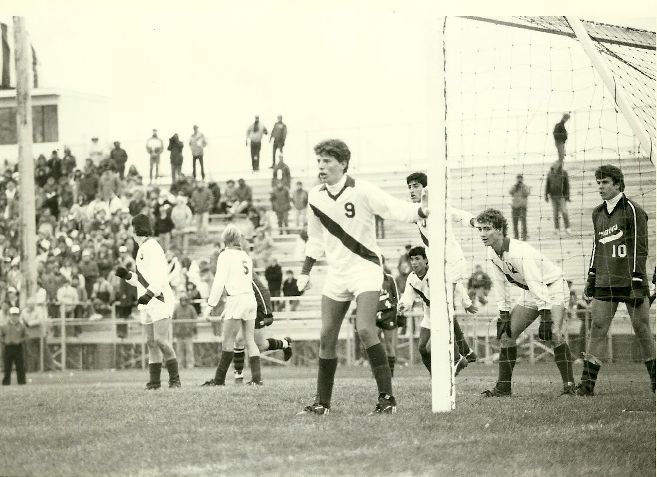 Joe Ciaciura (9) guards the goal in the 1986 State Championship game
