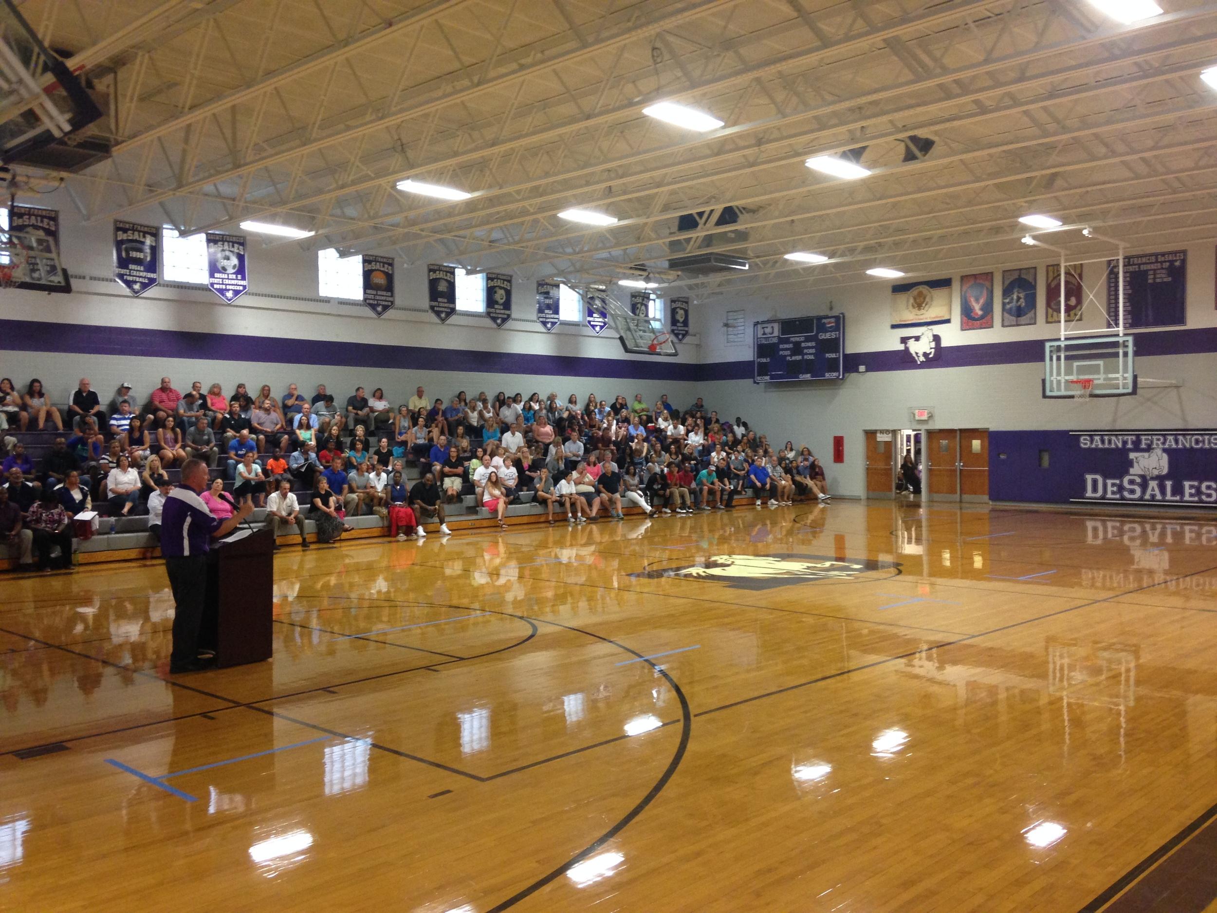 Principal Dan Garrick addresses the crowd at the 2016 Parent of Athlete Meeting