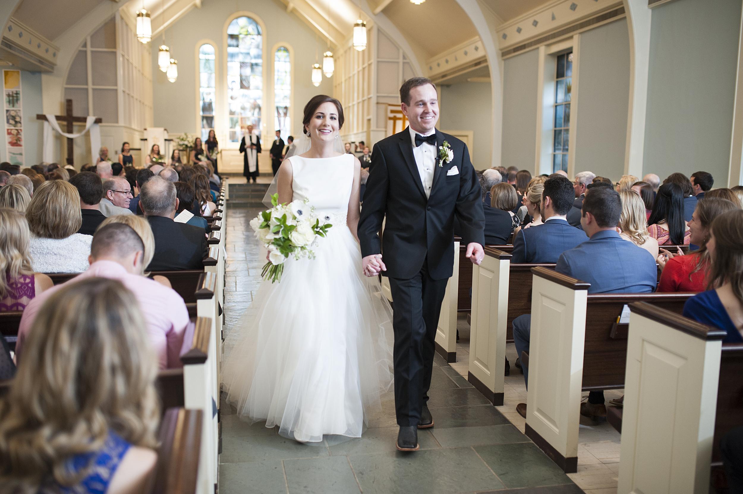 Classy Tulsa, OK wedding - eversomething.com