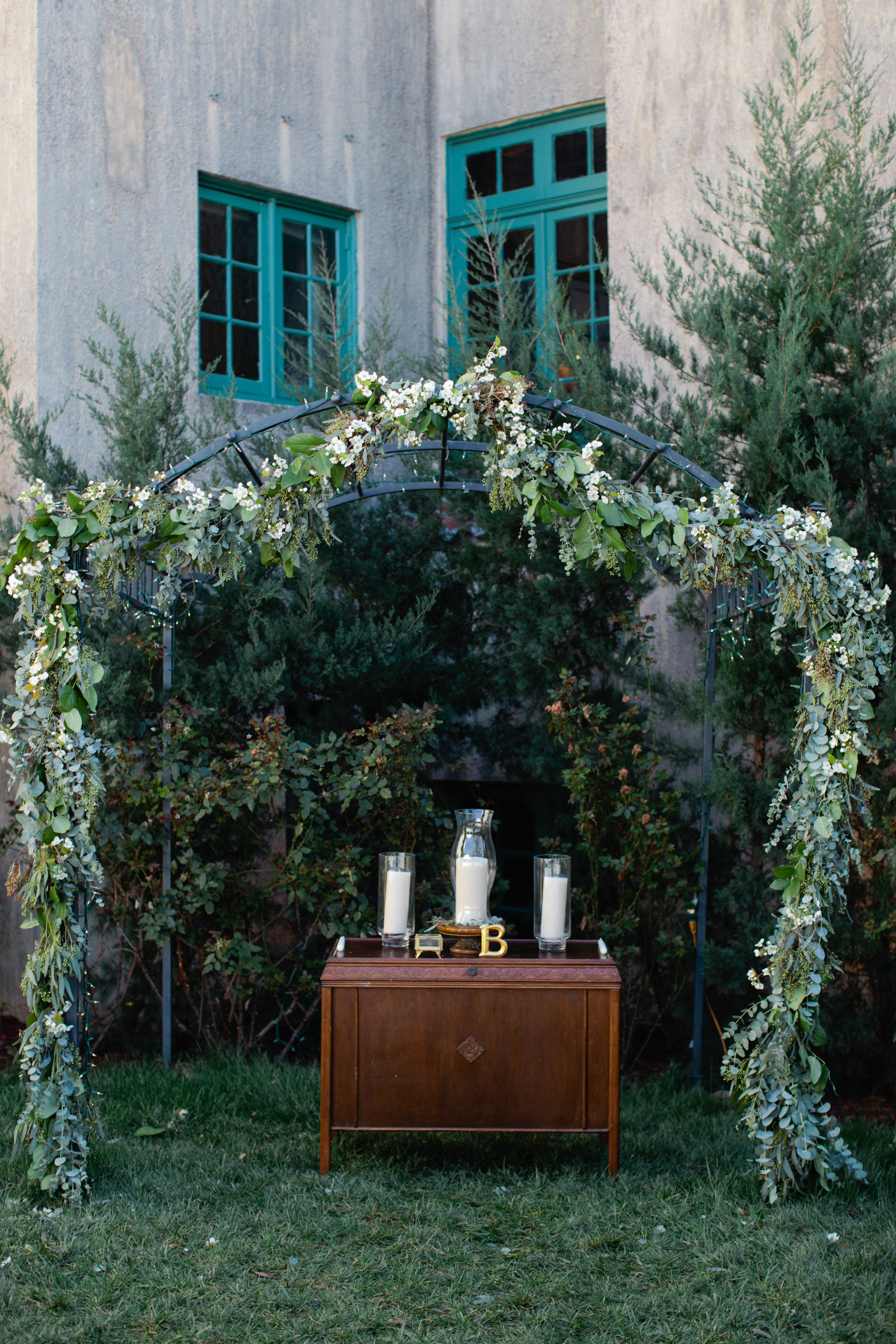 Beautiful vintage style wedding in Tulsa, OK - eversomething.com