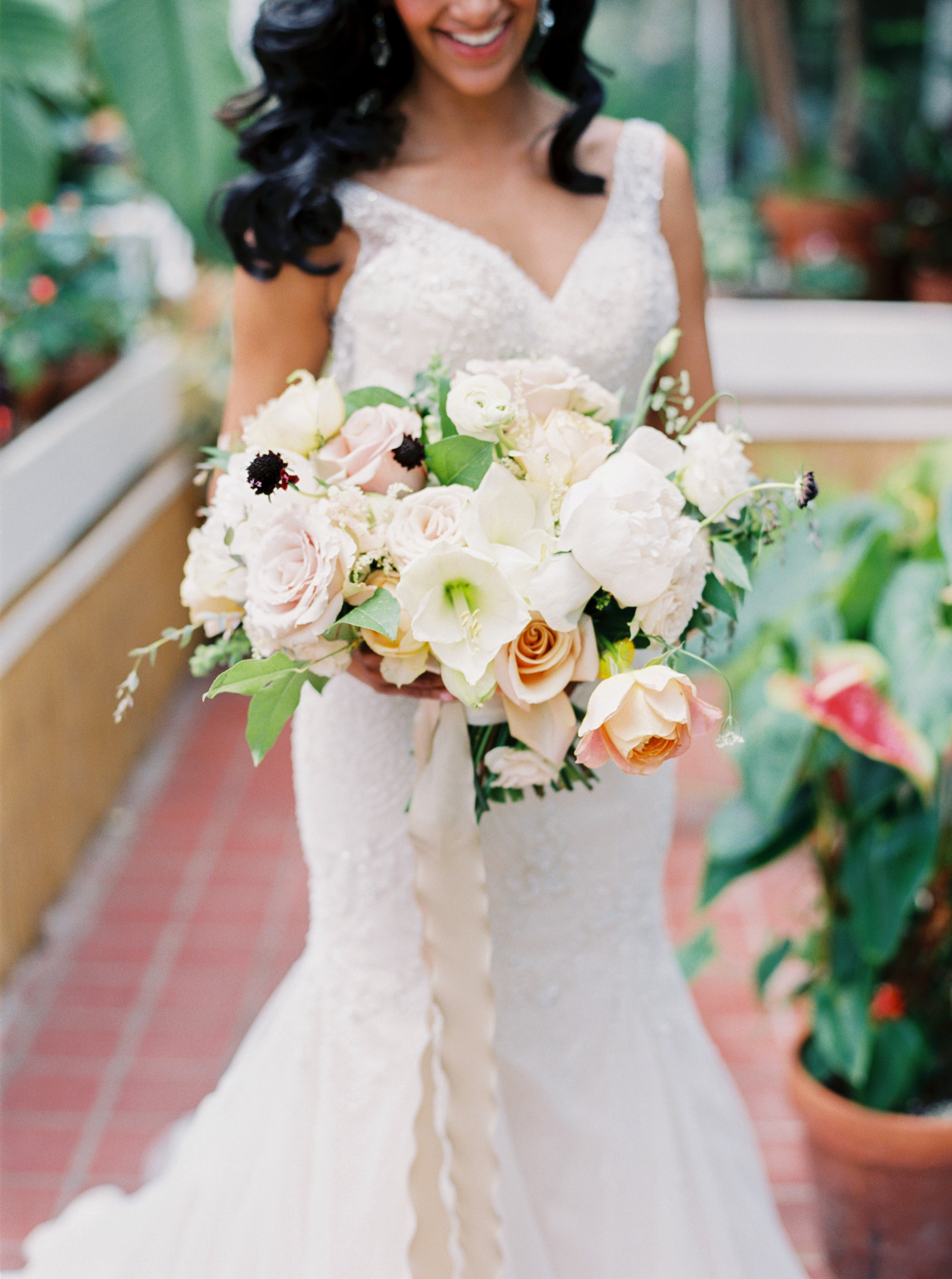 Large Bridal bouquet - Tulsa Garden Center Wedding - eversomething.com