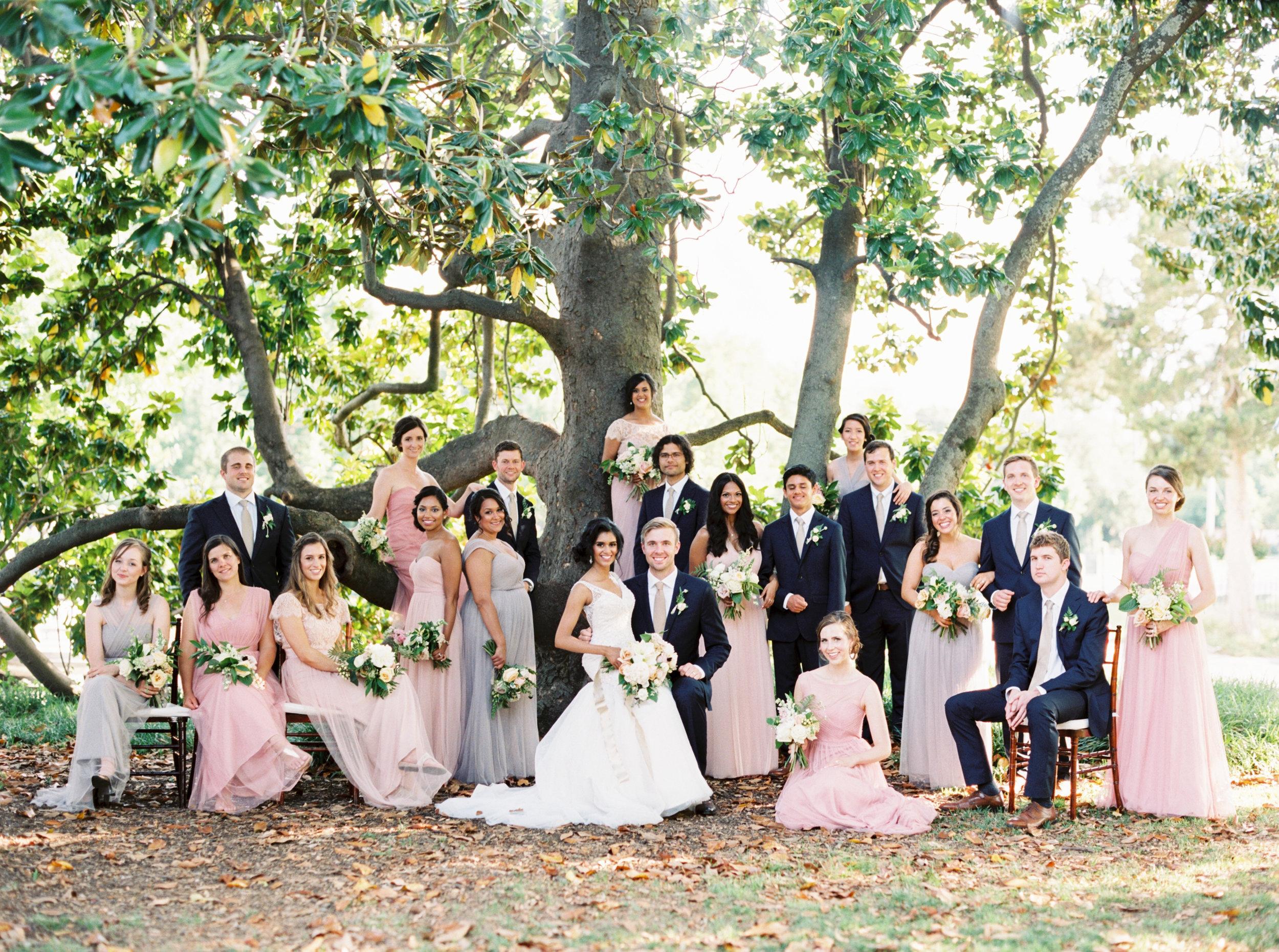 Large wedding party - Tulsa Garden Center Wedding - eversomething.com