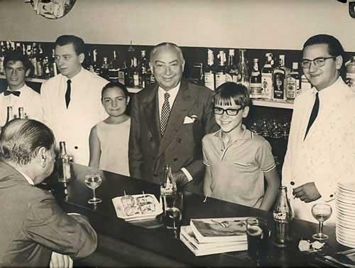 Chicote en el Antonio Bar, San Sebastián. (c) Koldo Royo