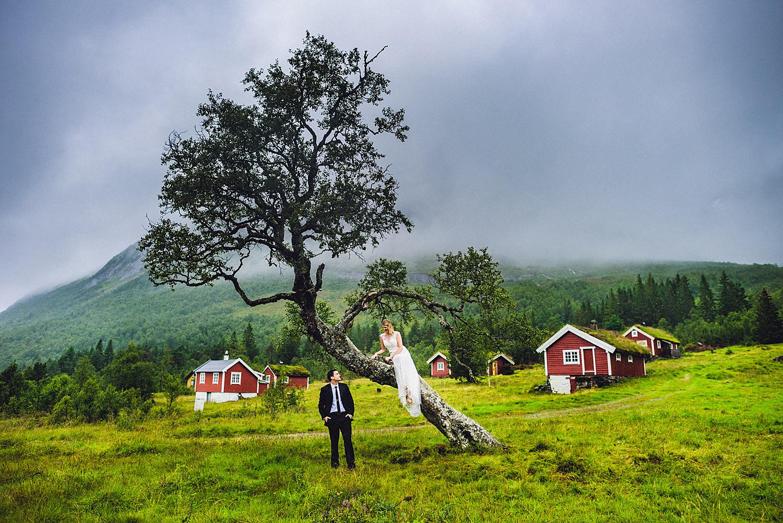Eirik Halvorsen Alyssa and Bryon blog-20.jpg