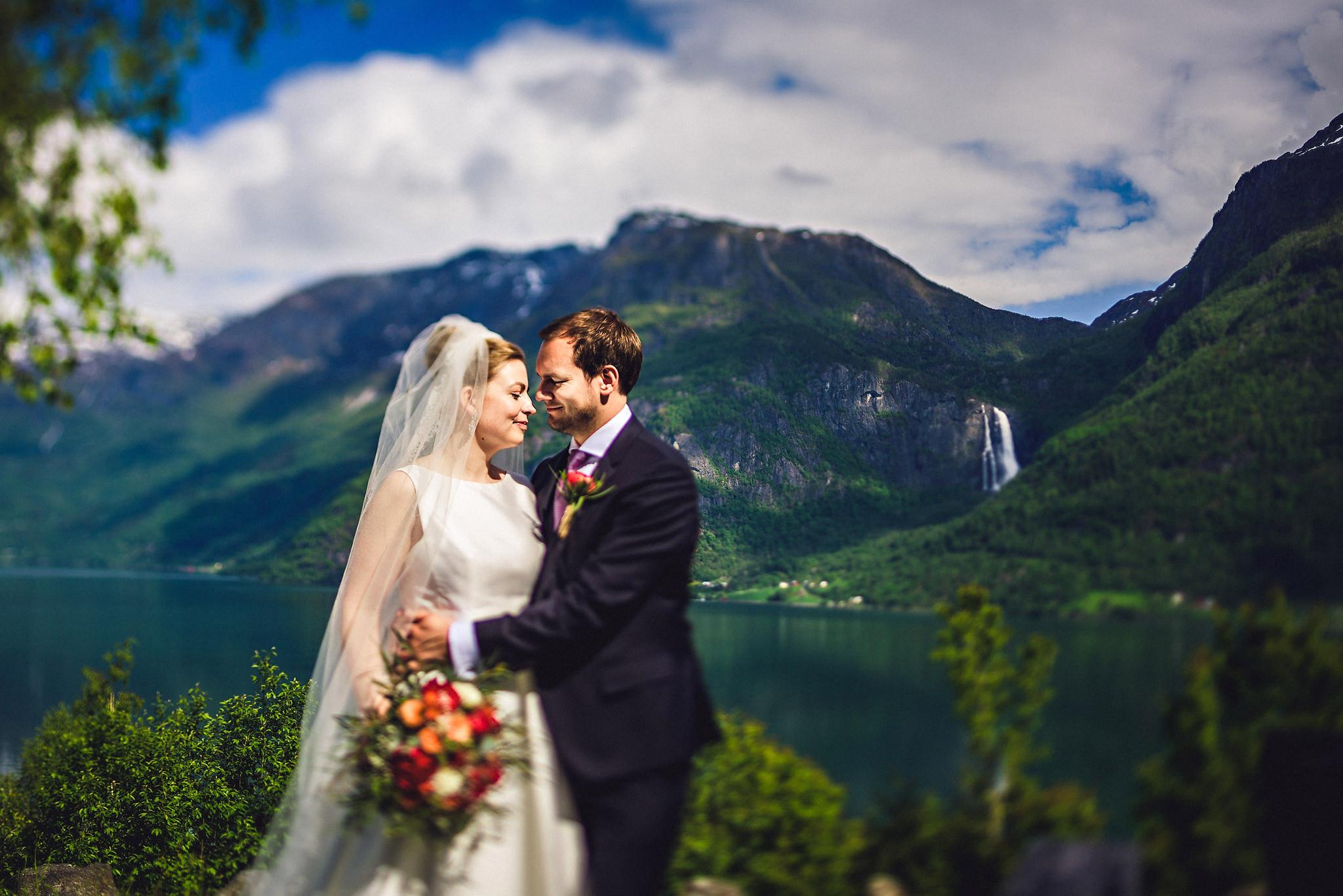 Norway wedding photographer elopement pre wedding Eirik Halvorsen-90.jpg