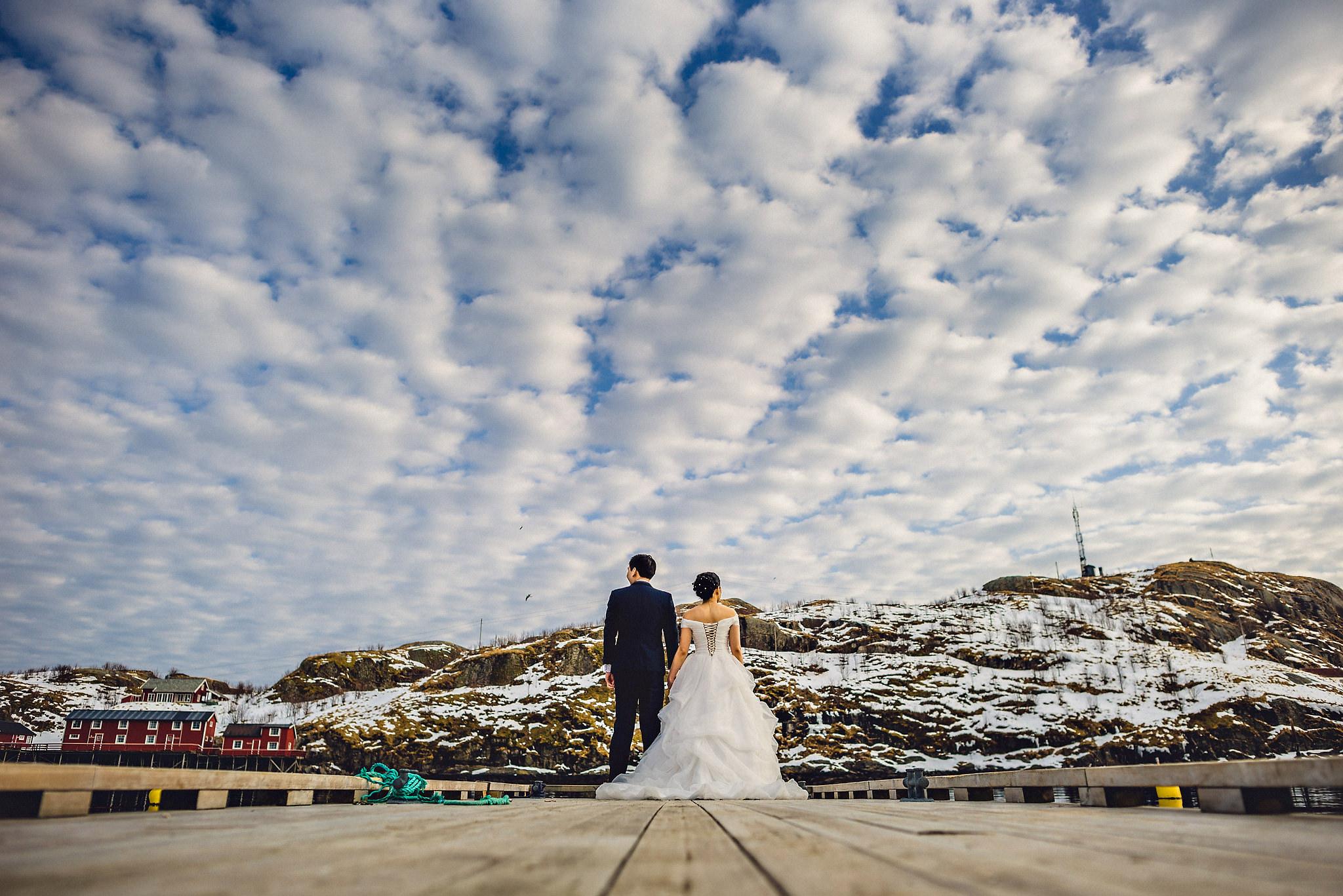 Eirik Halvorsen Gloria and Eugene Lofoten pre wedding-16.jpg
