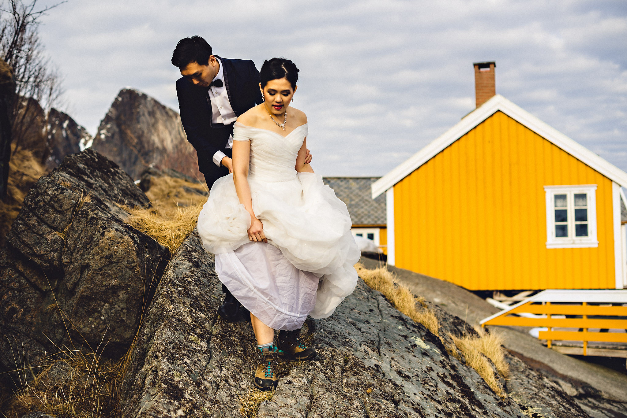 Eirik Halvorsen Gloria and Eugene Lofoten pre wedding-24.jpg