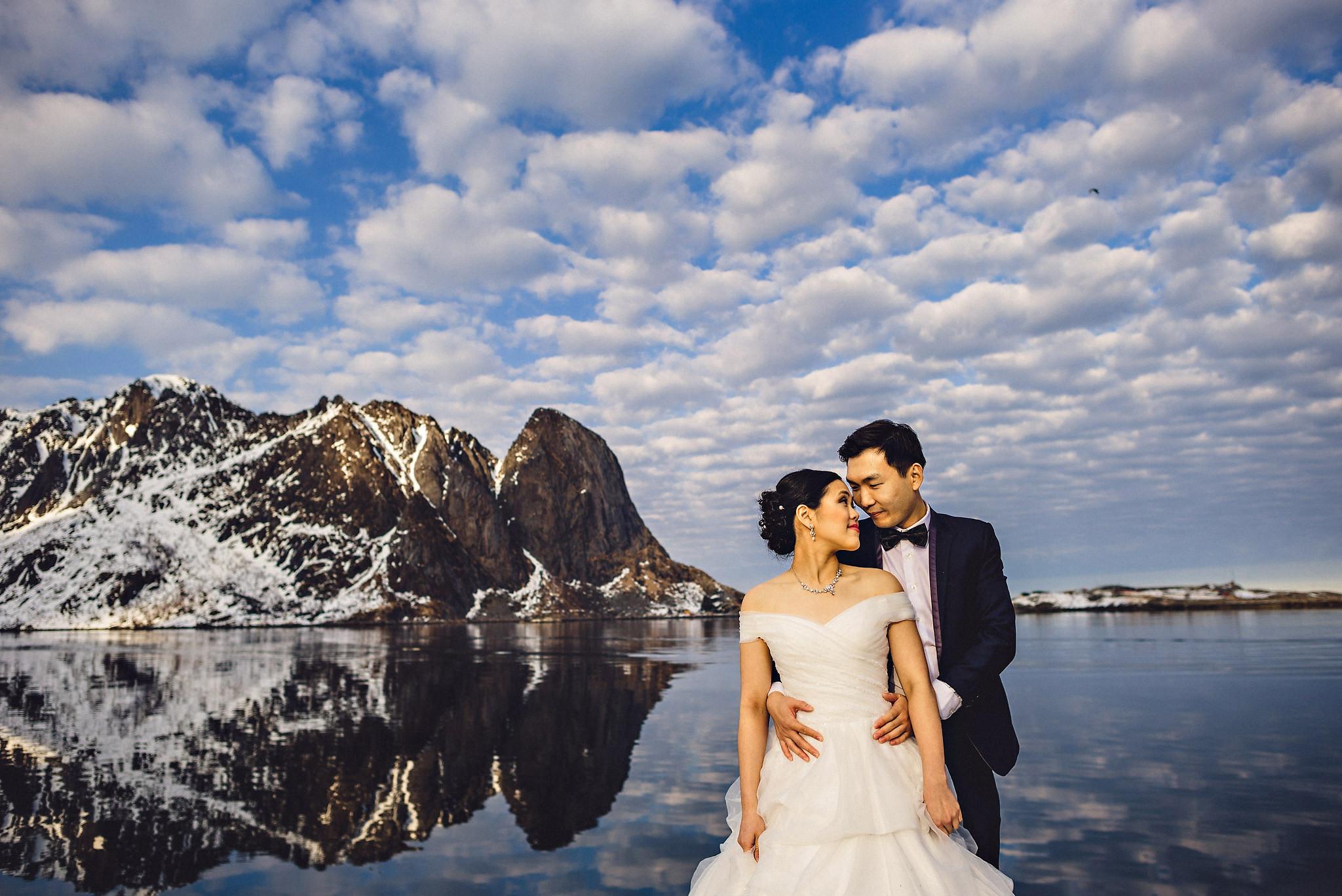 Eirik Halvorsen Gloria and Eugene Lofoten pre wedding-25.jpg