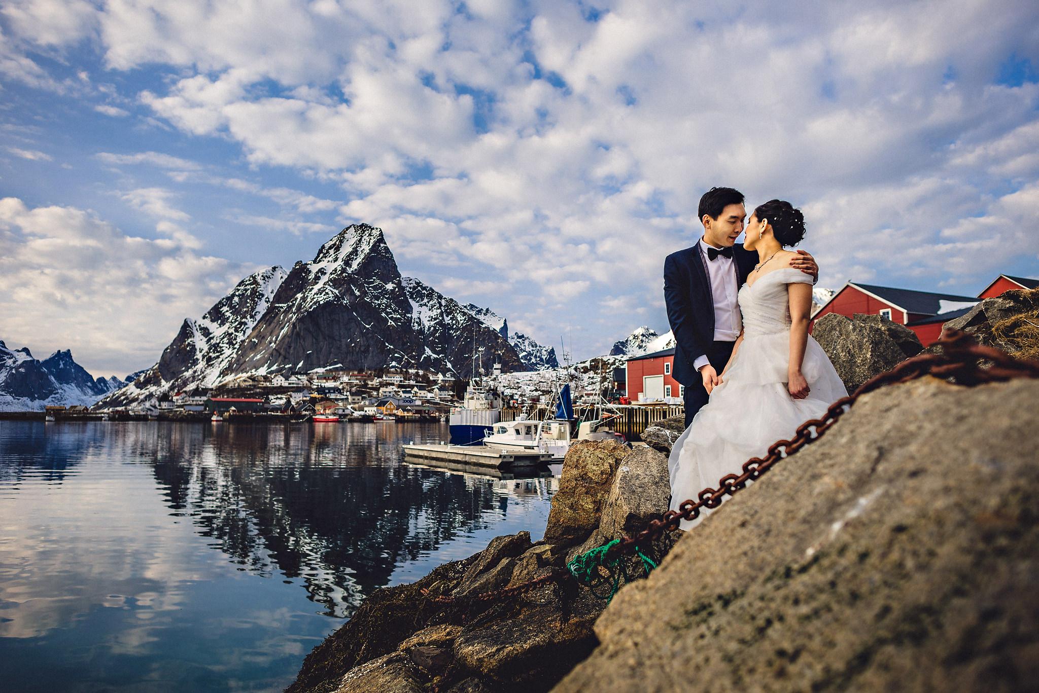 Eirik Halvorsen Gloria and Eugene Lofoten pre wedding-29.jpg