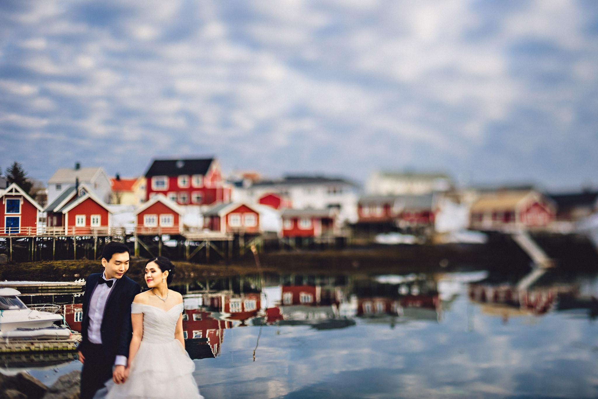 Eirik Halvorsen Gloria and Eugene Lofoten pre wedding-32.jpg