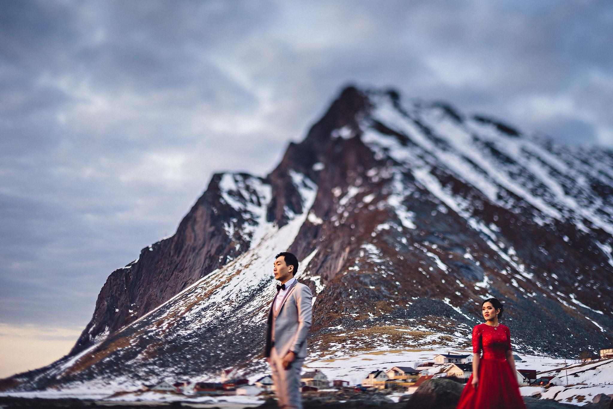 Eirik Halvorsen Gloria and Eugene Lofoten pre wedding-37.jpg