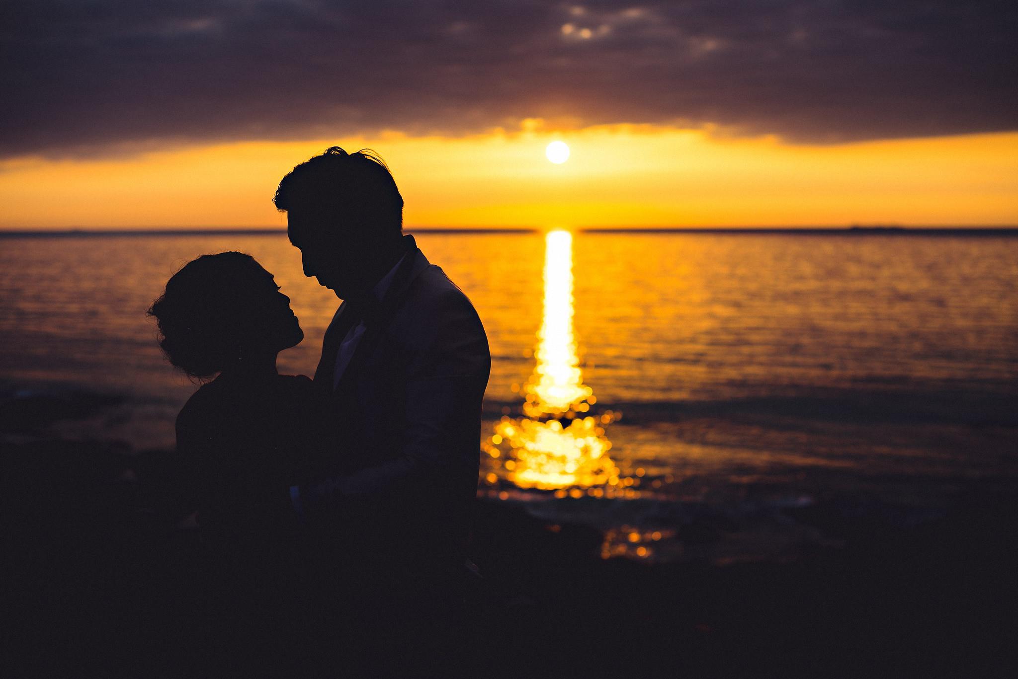 Eirik Halvorsen Gloria and Eugene Lofoten pre wedding-40.jpg