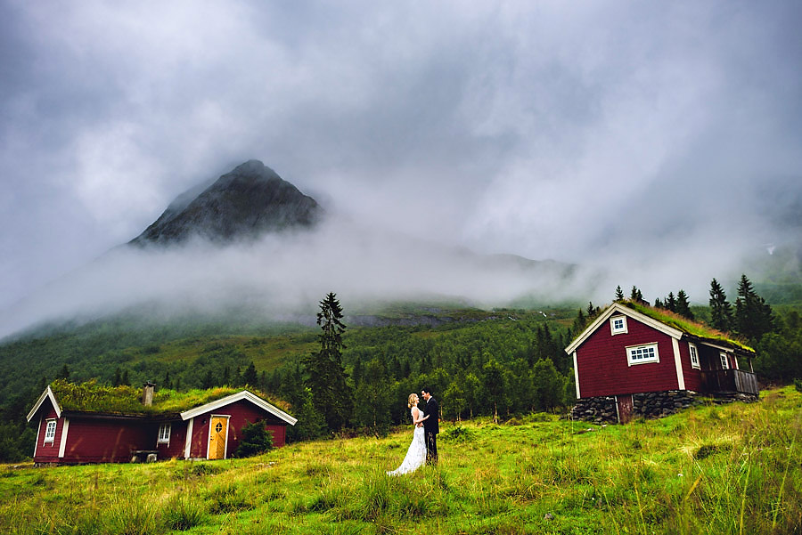 Destination elopement photographer Eirik Halvorsen-1.jpg