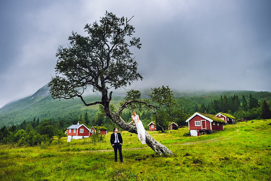 Destination elopement photographer Eirik Halvorsen-13.jpg