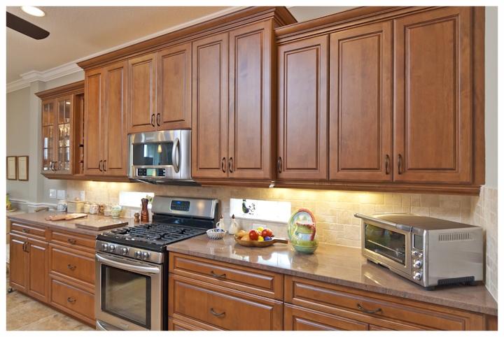 Lizmore+kitchen+2.jpg