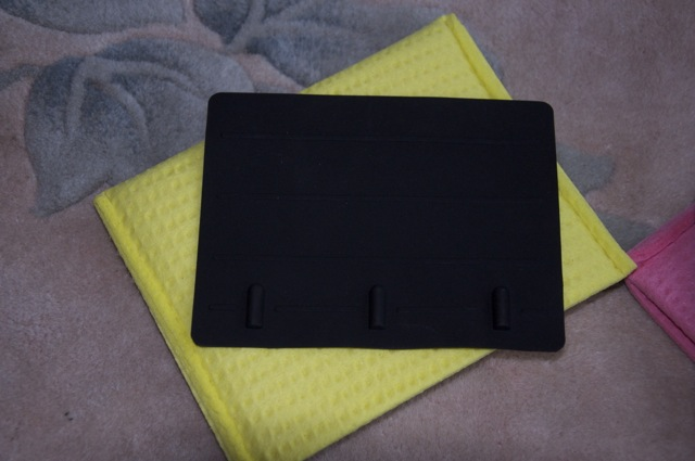 The Stimulette Edition 5 is commonly used with carbon rubber and wet sponge electrodes