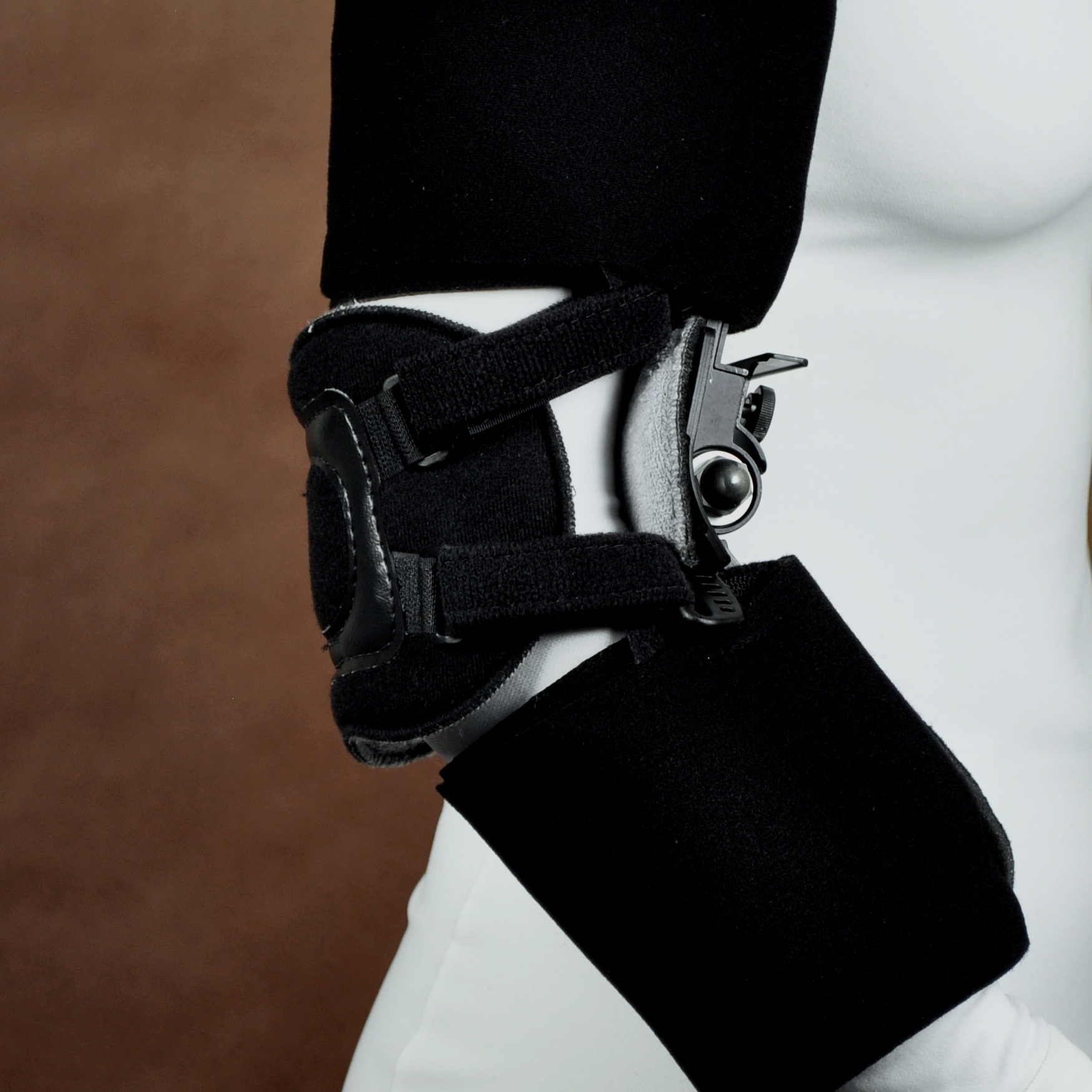 The 1300 QUAD provides a dynamic, ratchet style stretch to the tissues