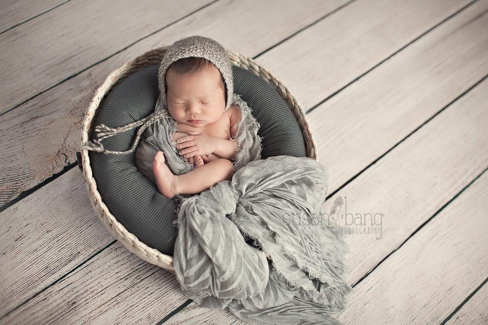 baby f newborn