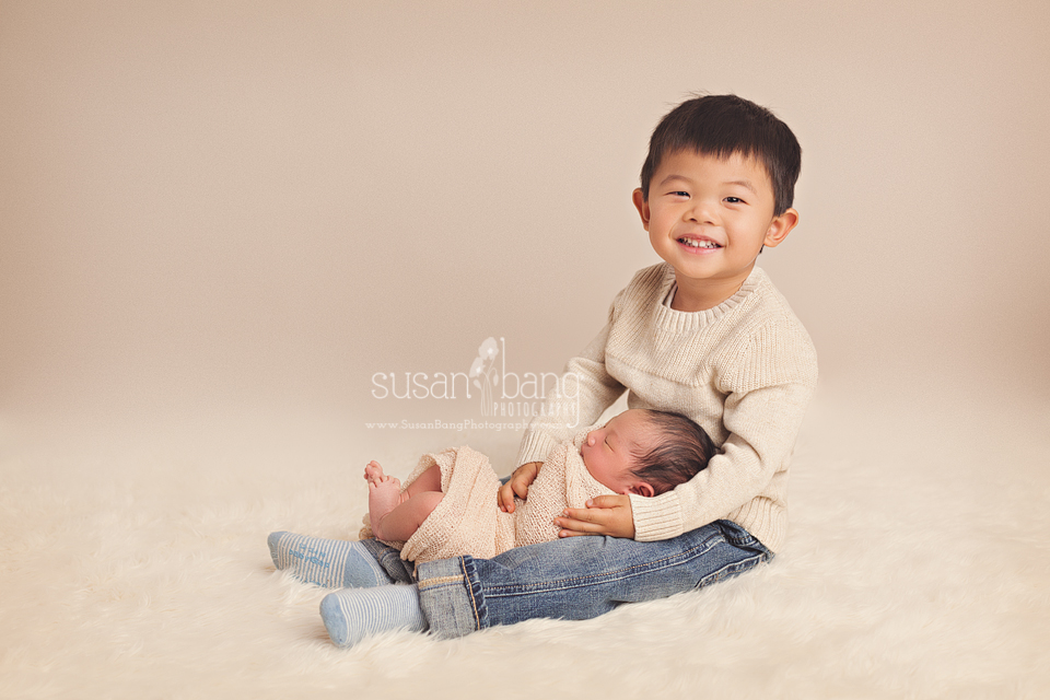 Newborn & Sibling