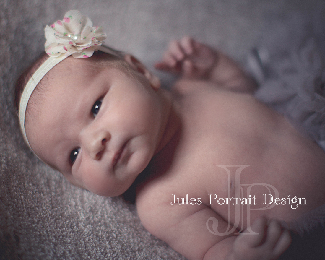 Even if your little one is over 10 days or wide awake, Jules will still take gorgeous photos that show your child perfectly.