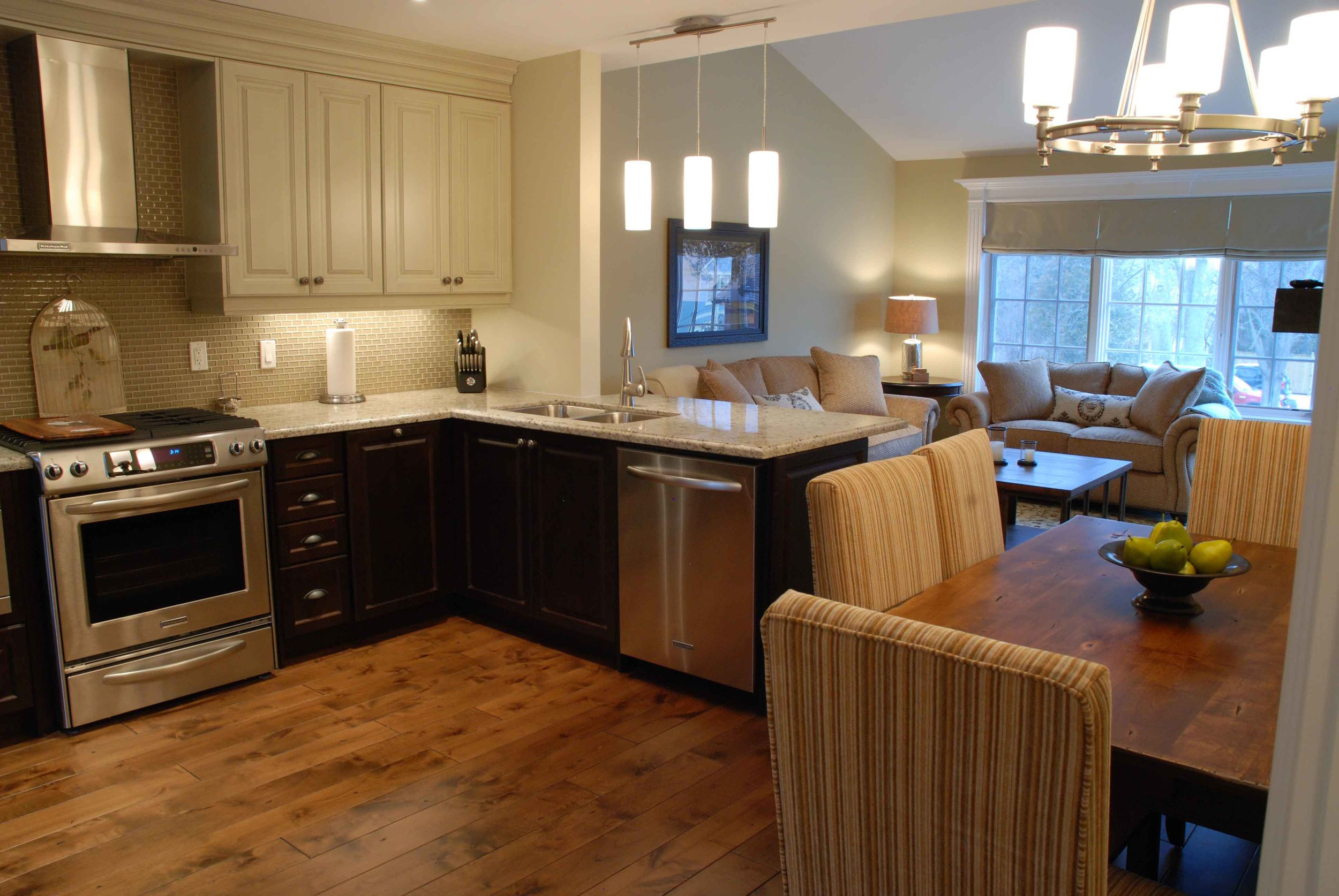 One and two bedroom suites are equipped with full kitchens