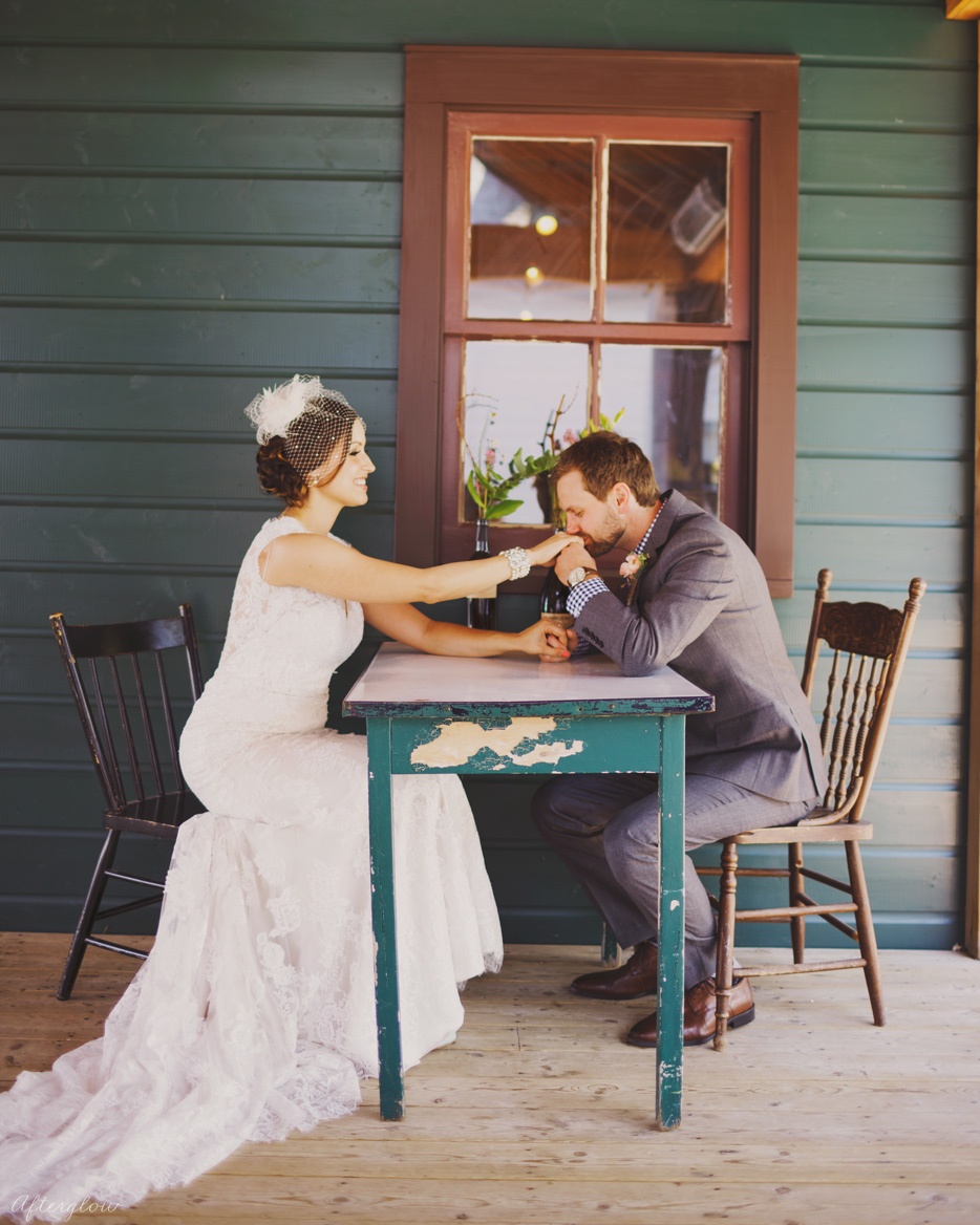 Afterglow_ShelbyAdam_Ravine_Vineyard_Wedding_Photography_Niagara056.jpg