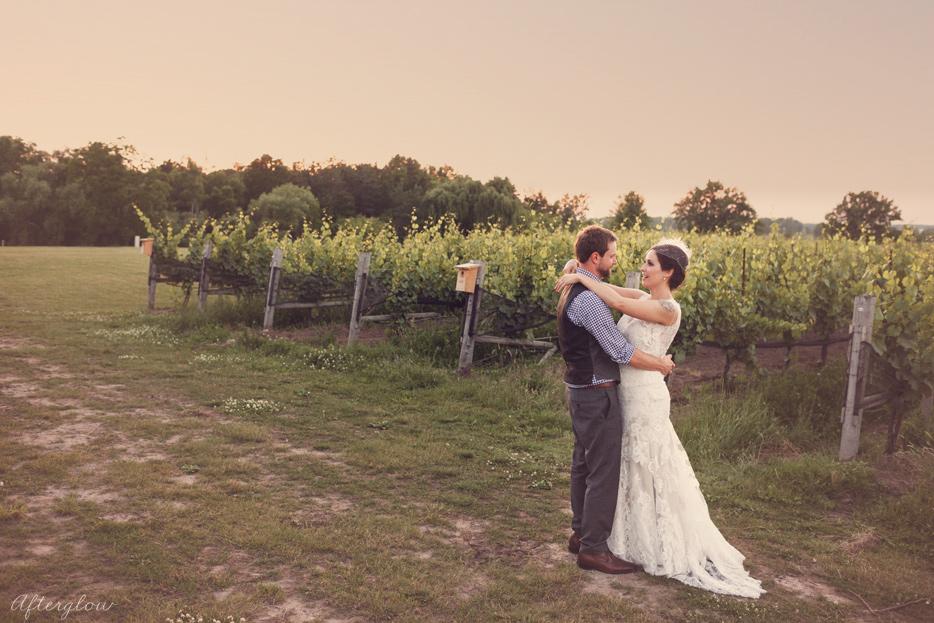 Afterglow_ShelbyAdam_Ravine_Vineyard_Wedding_Photography_Niagara079.jpg