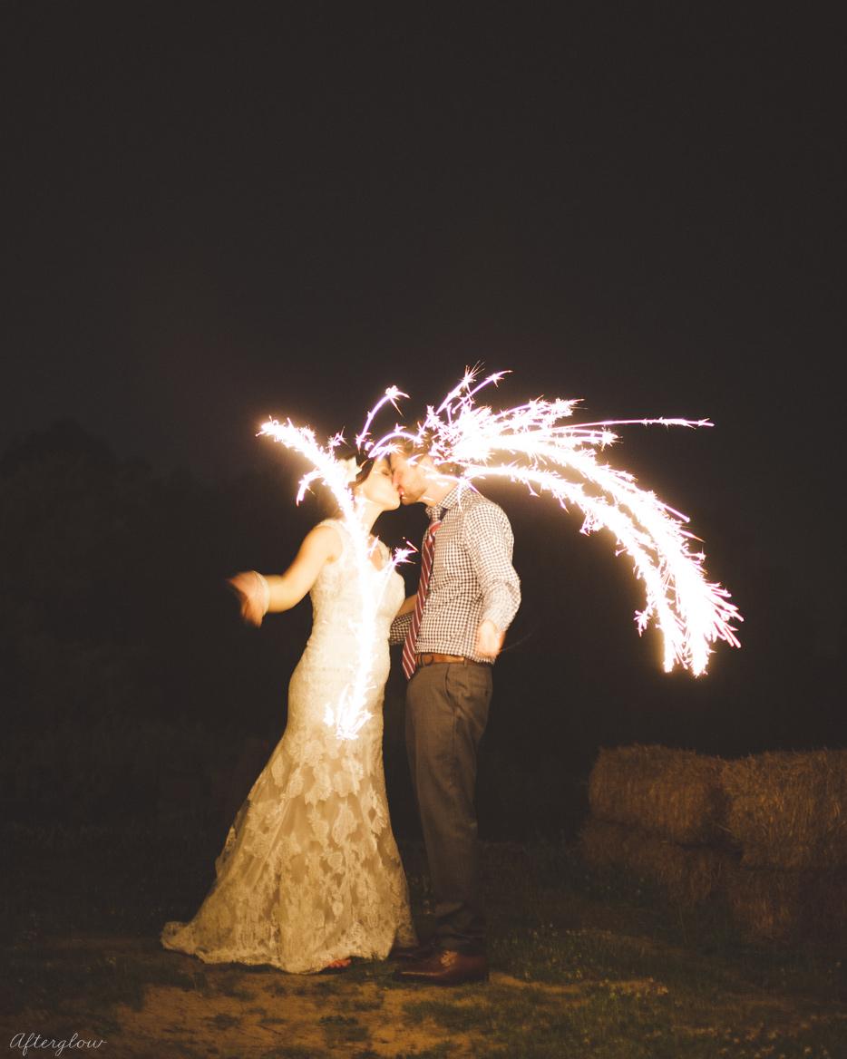 Afterglow_ShelbyAdam_Ravine_Vineyard_Wedding_Photography_Niagara097.jpg