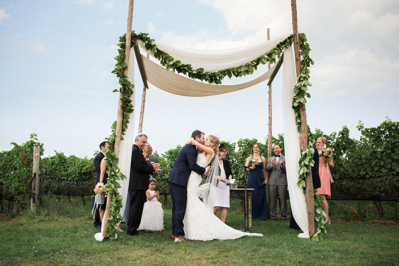 Ravine-Vineyard-Niagara-on-the-Lake-Wedding-photography-by-Danijela-Pruginic-011.JPG