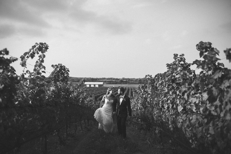 Ravine-Vineyard-Niagara-on-the-Lake-Wedding-photography-by-Danijela-Pruginic-014.JPG