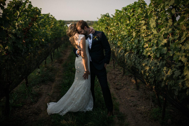 Ravine-Vineyard-Niagara-on-the-Lake-Wedding-photography-by-Danijela-Pruginic-015.JPG
