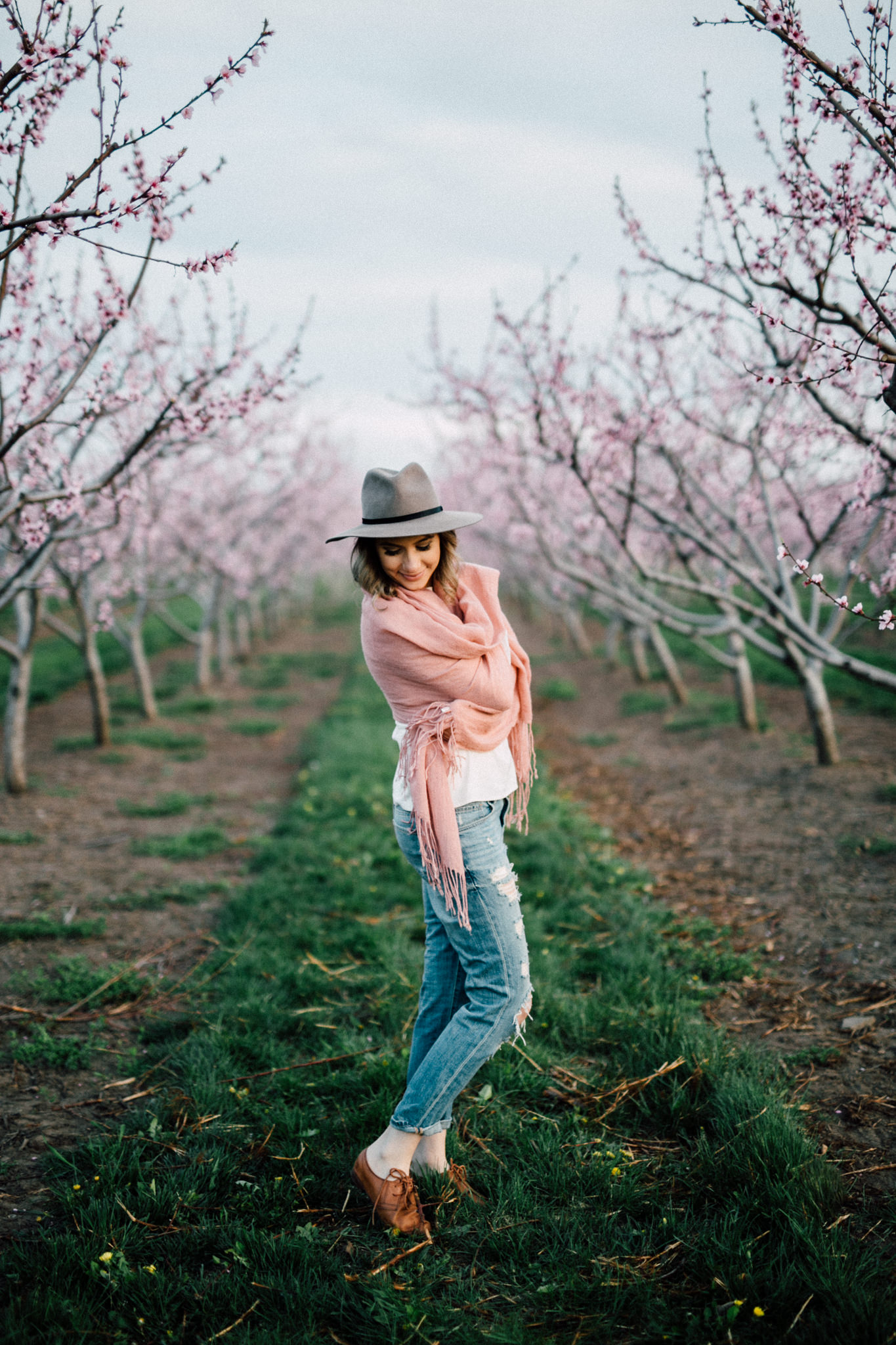 Niagara-Portrait-Session-Niagara-On-The-Lake-Cherry-Blossoms-photography-by-Simply-Lace-Photography-060.JPG