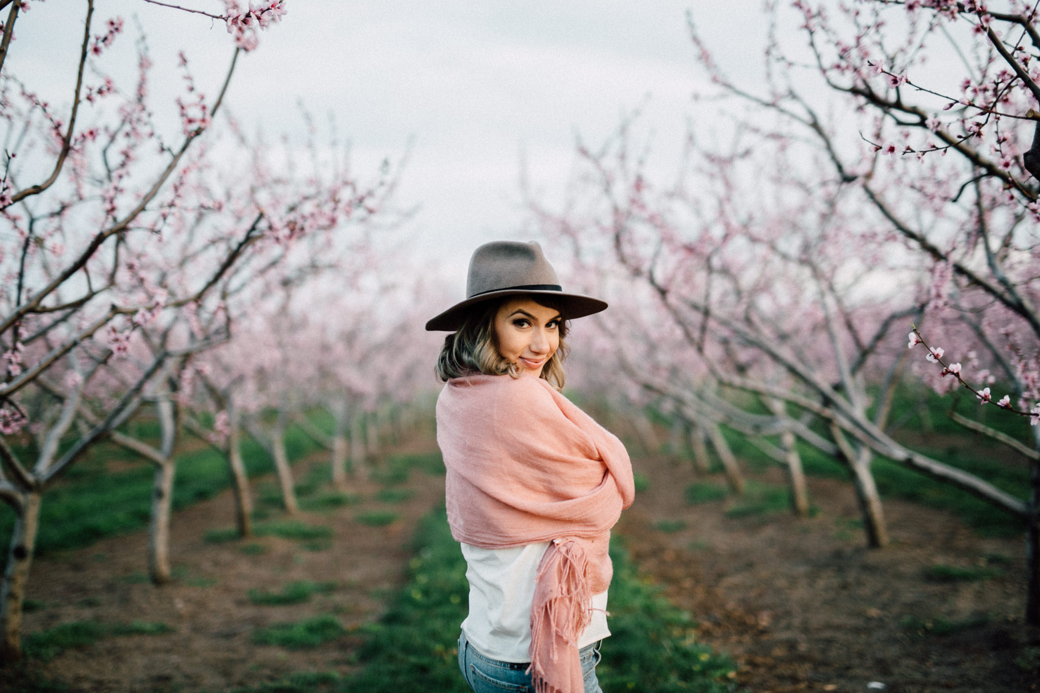 Niagara-Portrait-Session-Niagara-On-The-Lake-Cherry-Blossoms-photography-by-Simply-Lace-Photography-064.JPG