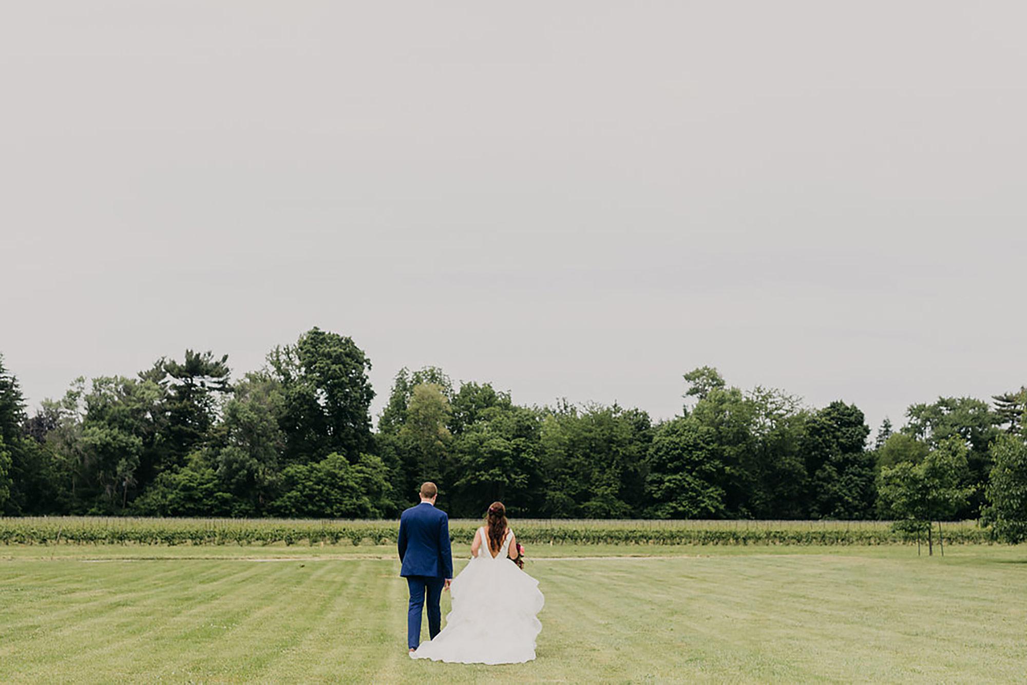 Kurtz-Orchards-Wedding-Niagara-wedding-Vineyard-Bride-Photography-by-Kayla-Rocca-010.JPG