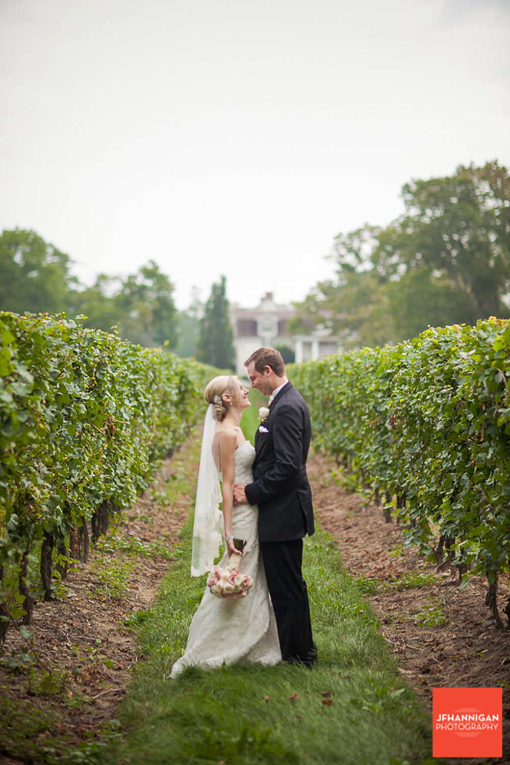 Pillar-and-Post-Vintage-Hotels-Wedding-Vineyard-Bride-photo-by-Joel-Hannigan-Photography-0053.JPG